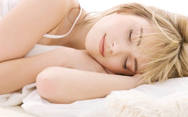 Dormir bem é benéfico à saúde e emagrece.