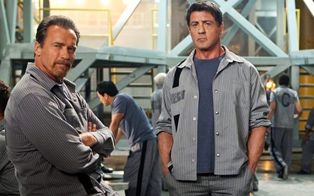 Arnold Schwarzenegger e Sylvester Stallone em filme Rota de Fuga